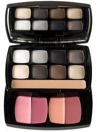 Best Eyeshadow Reviews - NYX Cosmetics Eye Shadow Palette